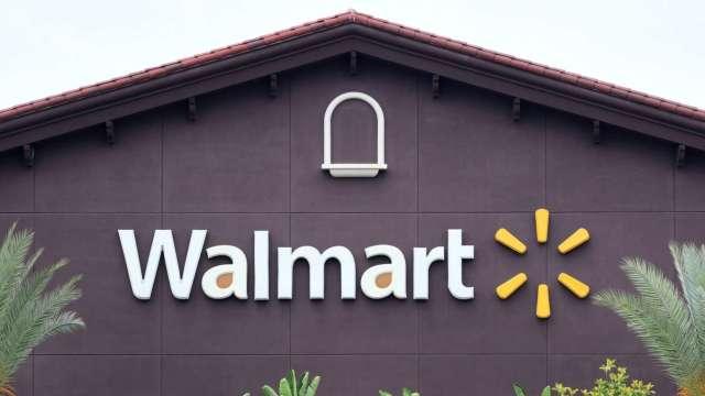 對決亞馬遜Prime!沃爾瑪付費會員Walmart+傳7月推出 股價大漲7% (圖:AFP)