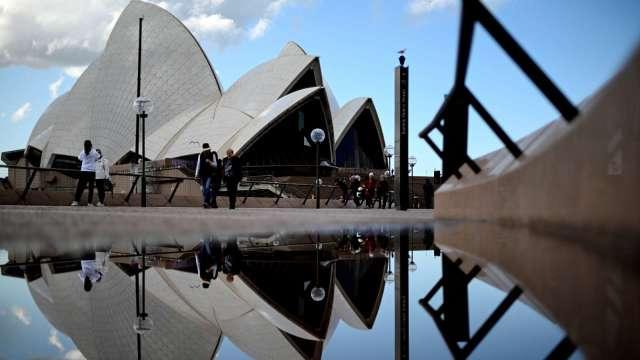 墨爾本重回封鎖 澳洲今年經濟產出損失恐達50億澳元 (圖:AFP)