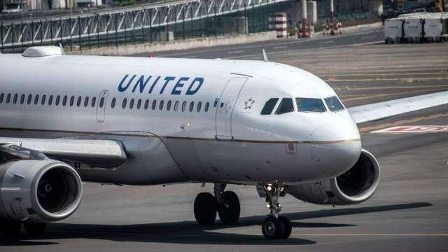 日燒4000萬美元 美聯航向3.6萬名員工發無薪假通知  (圖:AFP)