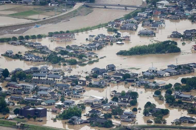 日本近期在九州等地發生嚴重的致災性豪雨 (圖片:AFP)