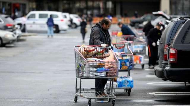 二次傷害!美疫情重災地區零售業慘澹(圖片:AFP)