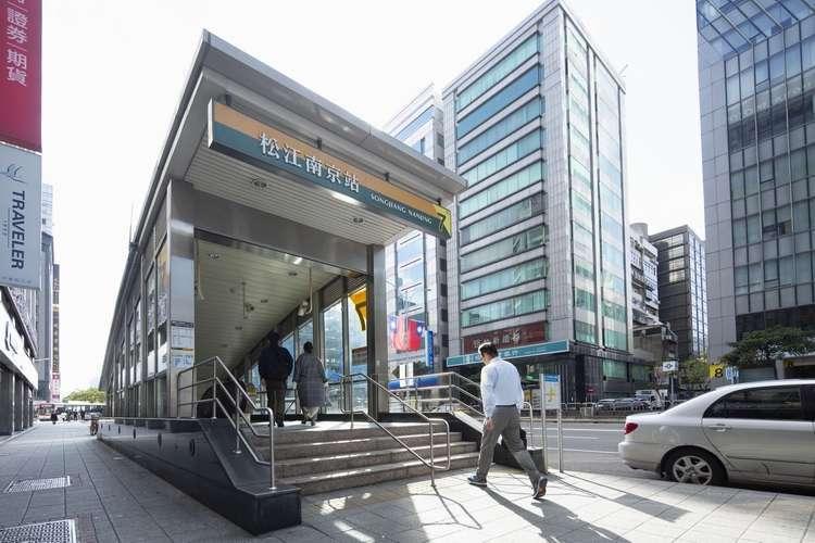 南京松江站是台北市金融重鎮,有台北版華爾街美譽。