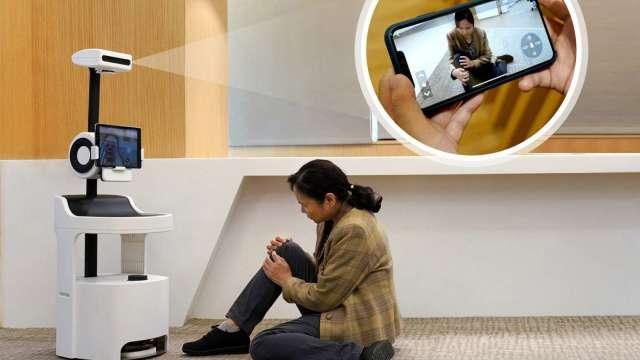 「PECOLA樂齡陪伴機器人」以非接觸式環境感知技術,蒐集長輩生理資訊,即使子女不在身邊,也能掌握長輩的生活大小事、表達及時關懷。(圖:工業技術資訊月刊)