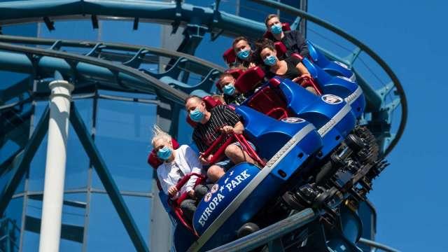 佛州確診人數飆升 當地迪士尼樂園仍將重啟!分析師:還是值得買進(圖片:AFP)