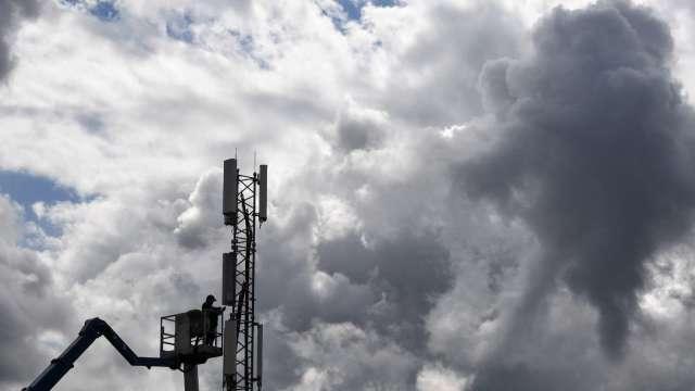 就該一頭栽進雲端!分析師:快買Alphabet、亞馬遜(圖片:AFP)