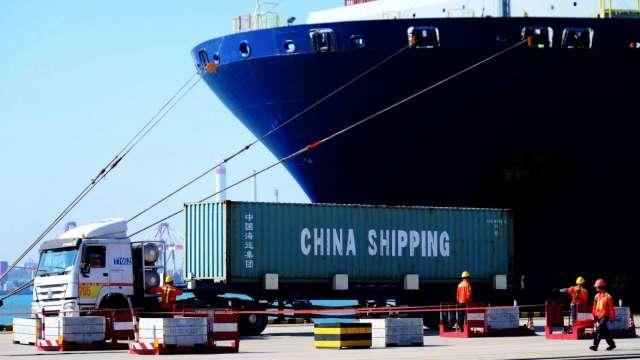 中國6月出口呈現3連漲 進口止跌反彈  (圖片:AFP)