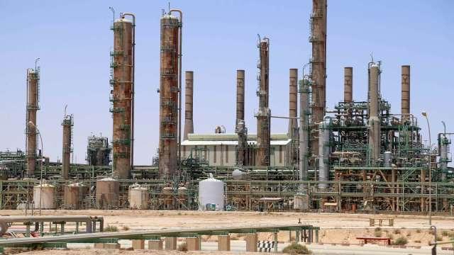IMF:油價下跌+疫情 中東、中亞經濟不樂觀   (圖片:AFP)