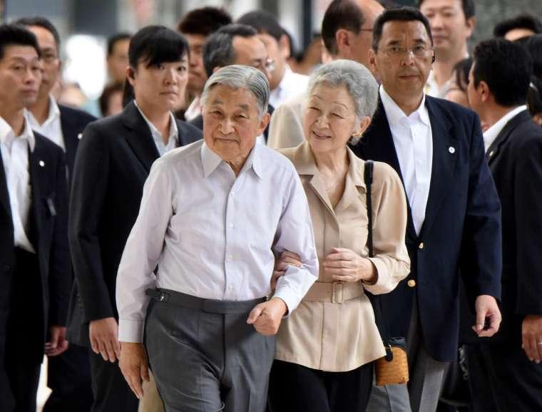〈鉅亨看世界〉笑可降低看護風險 (圖片:AFP)