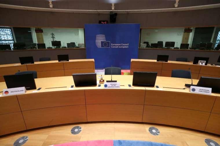 歐盟各成員國領袖將於7月17-18日召開歐盟峰會,就復甦基金進行談判 (圖:AFP)