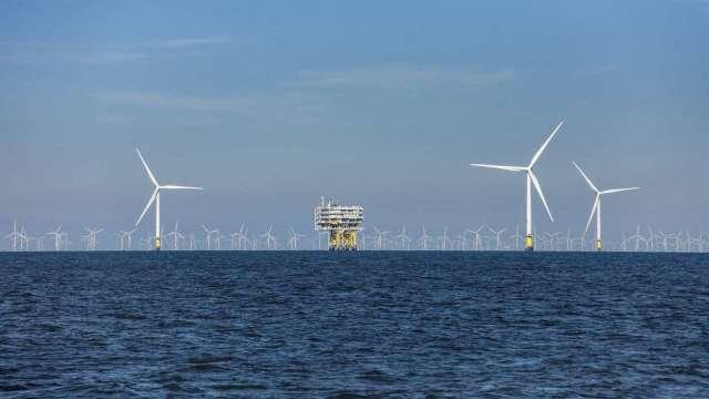 沃旭能源上半年投資額高達248億元,圖為其位於英國的Burbo Bank離岸風場。(圖:沃旭提供)