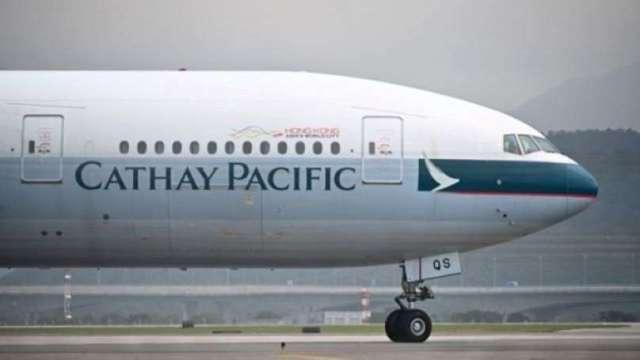 為減少現金燃燒 國泰航空延後空巴交機(圖:AFP)