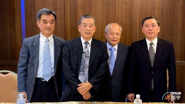左至右為浩鼎財務長陳志全、董事長張念慈、研發長賴明添及副總蔡承恩。(鉅亨網資料照)