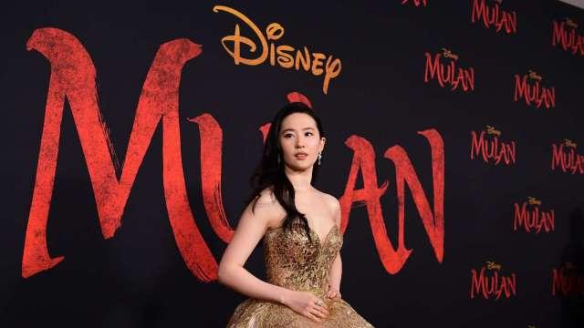 真人版《花木蘭》無限期延遲上映 迪士尼股價應聲跌 (圖片:AFP)