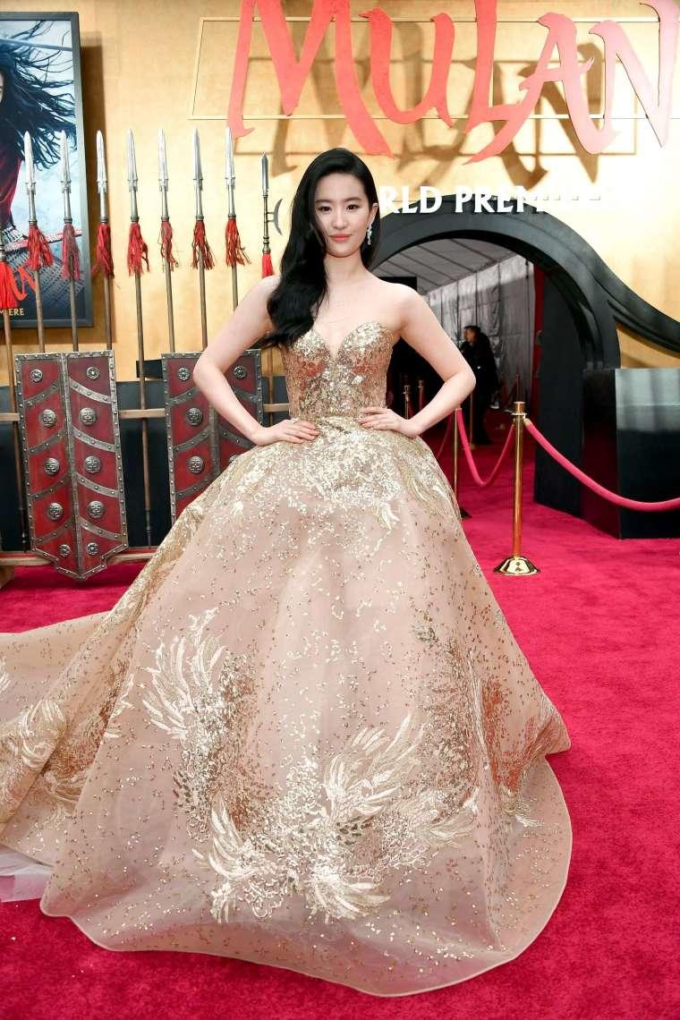 暑期電影強檔《花木蘭》(Mulan) 將無限期延遲上映。(圖片:AFP)