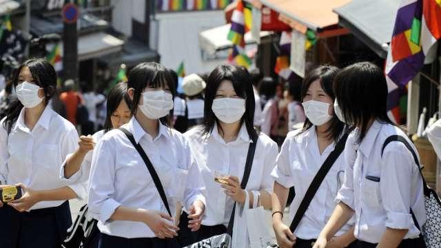 繼昨日東京之後 日本大阪24日創下單日確診新高 (圖片:AFP)