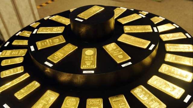 黃金週一延續漲勢 價格升破1923美元 再創歷史新高(圖:AFP)