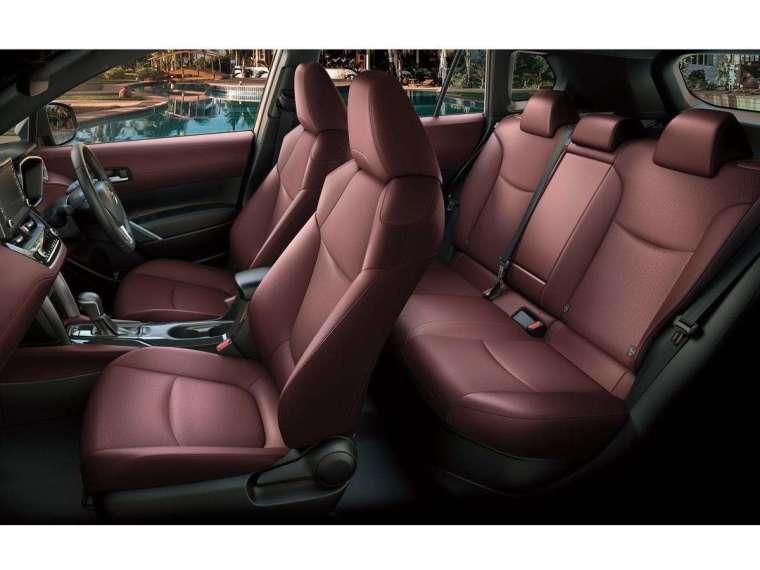 較其他 CUV 更大些的車內空間,是 TOYOTA Corolla Cross 的最大優勢。