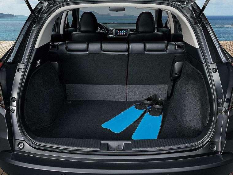 後廂標準容積達 437 升,也是同級車中佼佼者