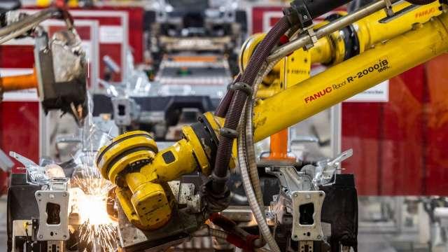 〈財報〉日工具機巨頭發那科 預估本年度營業利益大減56.4% (圖片:AFP)