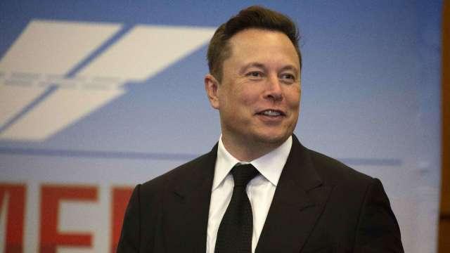 馬斯克:特斯拉願意向其他汽車製造商供應電池(圖片:AFP)