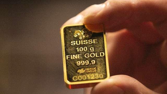 WGC:Q2黃金淨購買量腰斬 黃金ETF需求大增 (圖片:AFP)