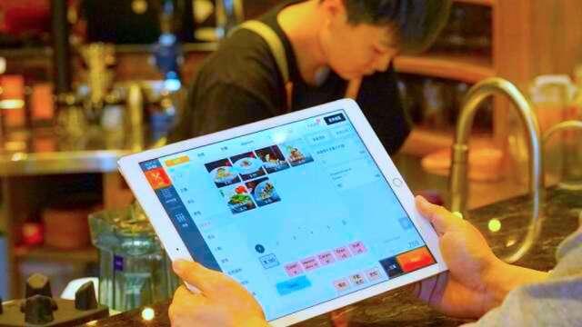 鴻海子公司肚肚加碼千台iPad及智慧型POS系統,助餐飲業搶復甦商機。(圖:肚肚提供)