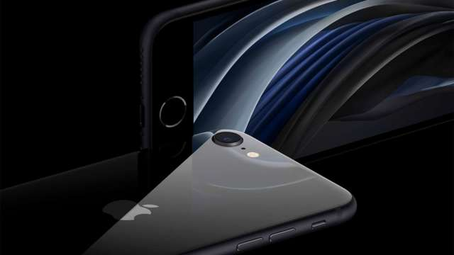 新iPhone標配充電線外層改採編織材質 傳力麗獨吞訂單。(圖:AFP)
