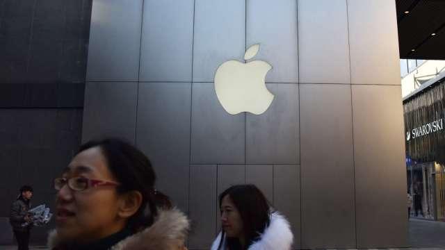 傳蘋果計劃將六條產線從中國移至印度(圖片:AFP)