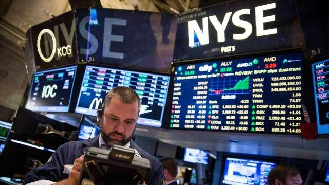 美股將創新高?分析師:這兩檔晶片股比蘋果更好。(圖片:AFP)