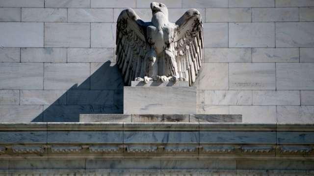 Fed官員齊喊更多財政刺激、推廣口罩使用率(圖片:AFP)
