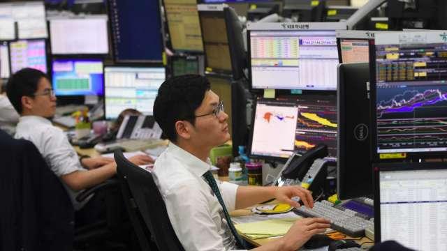 全球經濟數據佳+散戶搶進 韓股上漲寫近兩年新高(圖:AFP)