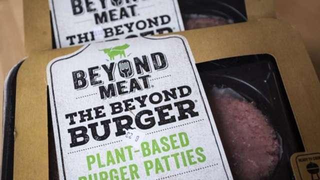 超越肉類零售端成長2倍 疫情與債務影響仍陷虧損 (圖:AFP)