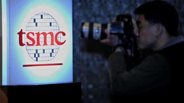 日媒爆台積電與鴻海有意入股安謀。(圖片:AFP)