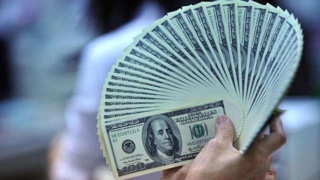 美元轉弱 新興股市有機會。(圖:AFP)