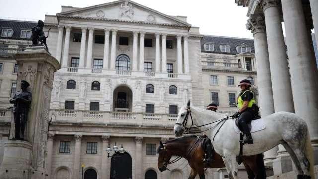 英國央行維持利率、購債規模不變 符合市場預期(圖:AFP)