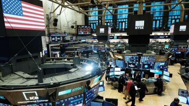 科技股強勢領漲 那指收盤首登11000點關卡(圖片:AFP)