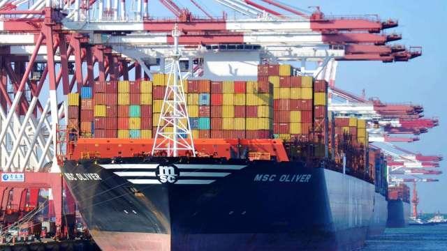 一好一壞 7月中國出口年增7.2% 進口年減1.4%(圖片:AFP)