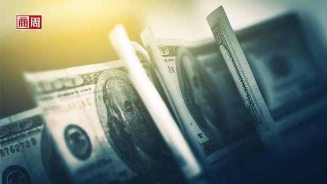 全球去美元化,白銀、瑞郎成避險大熱門。 (來源Dreamstime/商周提供)