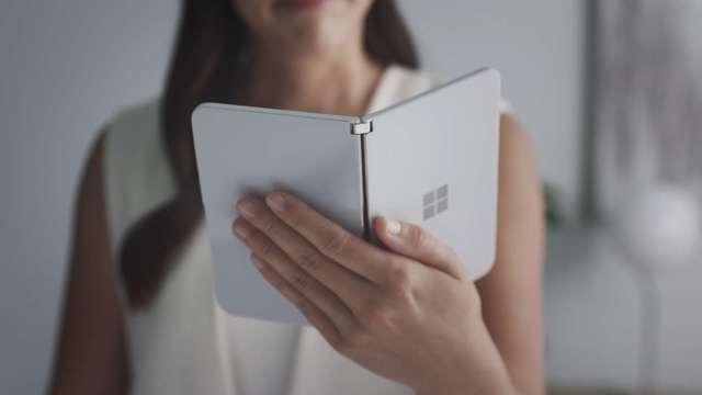 微軟新機Surface Duo開放預購 售價新台幣4.1萬起 9/10在美上市 (圖:AFP)