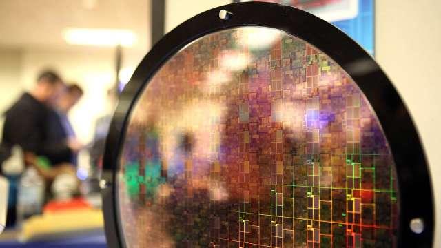 8吋晶圓需求旺盛 SK海力士尋求拓展代工業務(圖:AFP)
