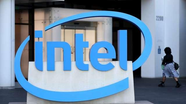 英特爾揭全新10奈米SuperFin技術! 有望提升晶片效能20%(圖片:AFP)