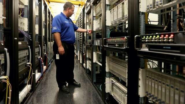 神達下半年伺服器出貨不淡,車用與智慧物聯業務相對保守。(示意圖:AFP)