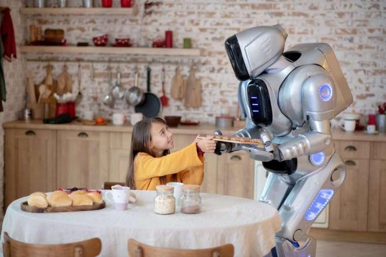 AI 看圖說故事的能力,可讓照顧居家照護機器人了解眼前的生活情境,具有找話題的能力,變得溫暖許多。 圖片來源│iStock