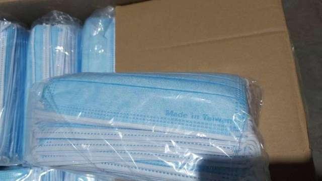 海關近一周已攔截近50萬片偽台灣製醫療口罩。(圖:關務署提供)