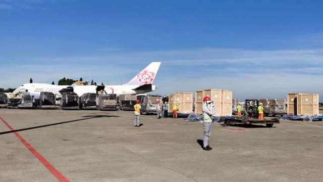 中菲行運送70噸PCB製造設備。(圖:中菲行提供)