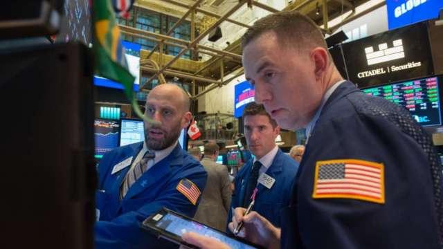 〈美股早盤〉科技股持續發力 那指早盤漲逾1%、道瓊漲逾150點 (圖:AFP)