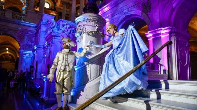 午夜12點快到?市場正重演「灰姑娘的舞會」(圖片:AFP)