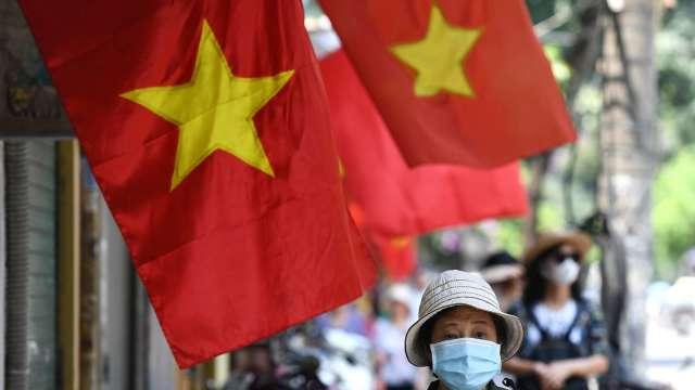 越南拉警報!恐遭美列匯率操縱國、課徵反補貼稅 (圖片:AFP)