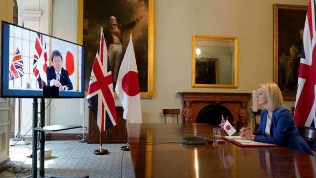 日經:日、英最快下月簽署FTA 盼明年1月正式上路 (圖:AFP)