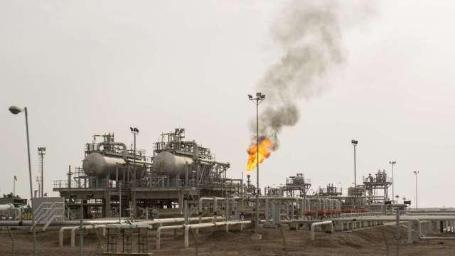 高盛:原油價格預估將在2021年反彈至每桶65美元(圖片:AFP)